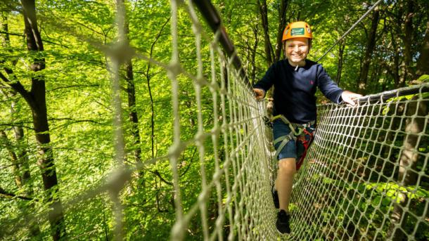 Camp Adventure Kid in Treetop